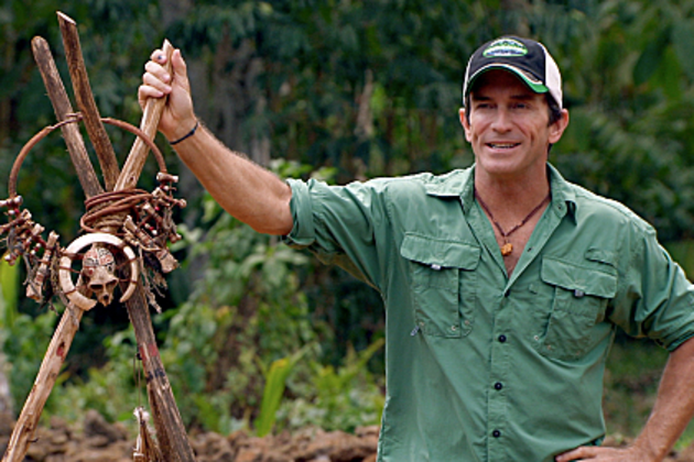 Jeff-probst-hold-immunity