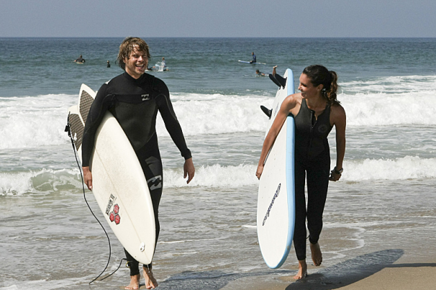 Kensi-and-deeks-surfing