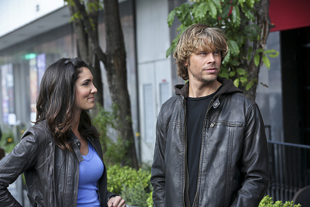 Kensi-watches-deeks