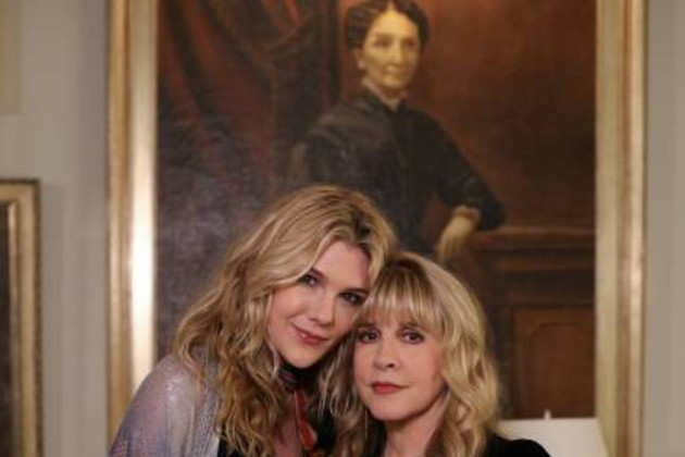 Stevie-nicks-guest-stars