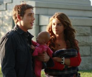 "90210 Recap: ""Hollywood Forever"""