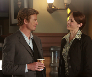 The Mentalist Spoilers: Grace and Wayne K-I-S-S-I-N-G?