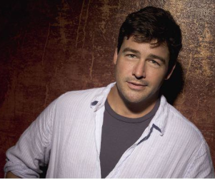 Kyle Chandler Approves of DirecTV Deal