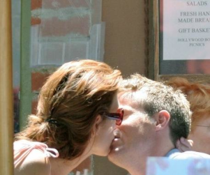 Kate Walsh Out, About, In Love