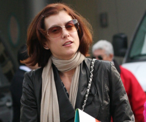 Kate Walsh Debuts New Hairstyle