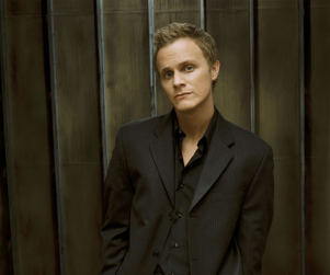 "David Anders to ""Change Course of Season"" on House"