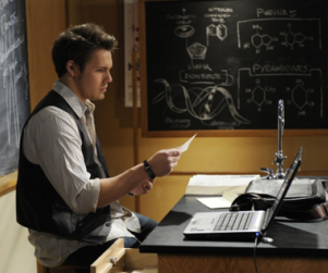 One Life to Live Spoiler Pic: First Look at Scott Clifton