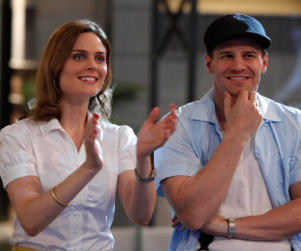 Emily Deschanel Reacts to Bones Storylines