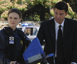 Bones Season Five Scoop: Kissing to Come!
