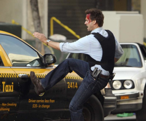 "Joseph Fiennes Embraces ""Impending Doom"" on FlashForward"