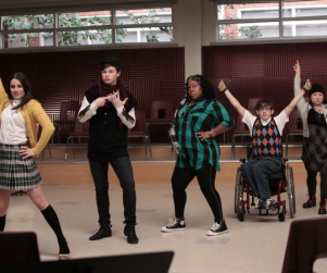 "Glee Sneak Peek: ""Showmance"""