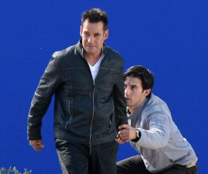 Heroes Set Shot: The Petrelli Brothers Take Flight