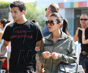 Spotted: Kim Kardashian and Mark Ballas Shopping