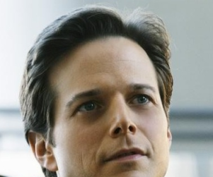 Scott Wolf Speaks on V Remake