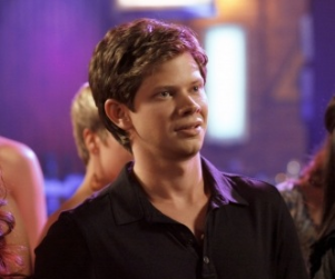 One Tree Hill Spoilers: Major Weight Gain to Come!
