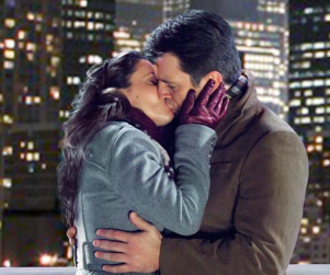 Spotted: Rick Castle Kissing Alyssa Milano!