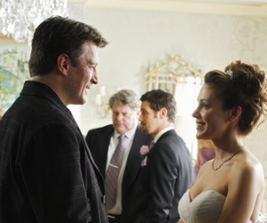 Castle Casting Notes: More Alyssa Milano Pics, Scott Elrod to Guest Star