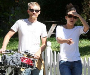 Sandra Oh, New Boyfriend Out For a Ride