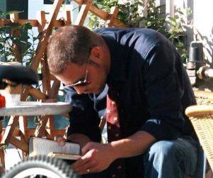 Justin Chambers Catches Up on Reading