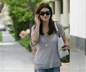 Kate Walsh is Still Gorgeous