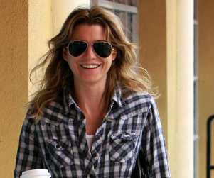 Pretty in Plaid, Ellen Pompeo Smiles