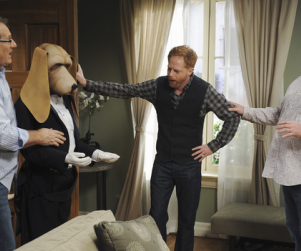 "Modern Family Review: ""Not In My House"""