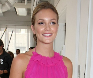 Leighton Meester Fashion: Red, White and Blue (and Pink)