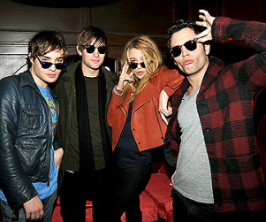 Gossip Girl Cast Rocks Out