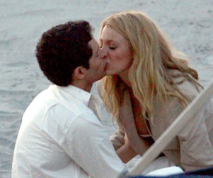 Penn Badgley, Blake Lively Heat Up Hamptons