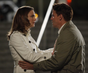 Bones Upcoming Episode Details: Snipers, Spinoffs, Blizzards and B-Squared