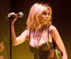 Taylor Momsen Rocks The Late Show