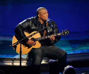 "American Idol Review: ""Elvis Night"""