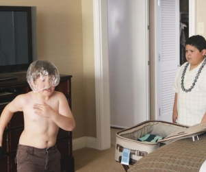 "Modern Family Review: ""Hawaii"""