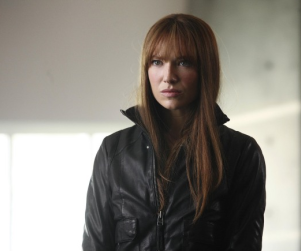Fringe Spoilers: Season Three to Rotate Universes