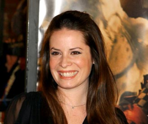 Holly Marie Combs to Play Key Role on Pretty Little Liars