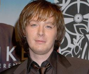 Clay Aiken: Behind the Airplane Tussle