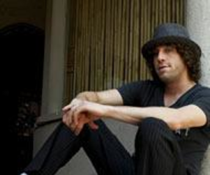 Elliott Yamin Speaks to Parade Magazine