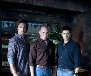 Supernatural to Parody Vampire Craze in Hollywood
