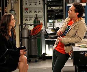 Eliza Dushku on The Big Bang Theory: First, Beautiful Look