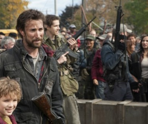 Falling Skies First Look: The Return of Noah Wyle