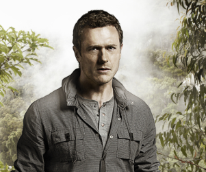 "EXCLUSIVE: Jason O'Mara Aims to Give Fans ""Backstage Pass"" to Terra Nova"