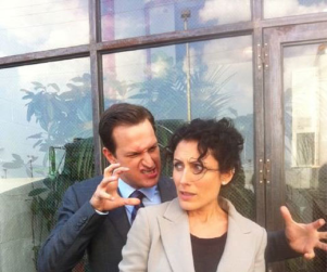 The Good Wife Set Shots: Lisa Edelstein and Josh Charles Tweet Around