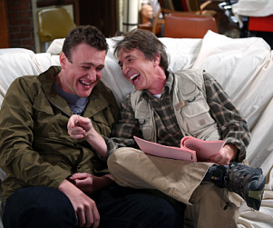 "How I Met Your Mother Review: ""The Naked Truth"""
