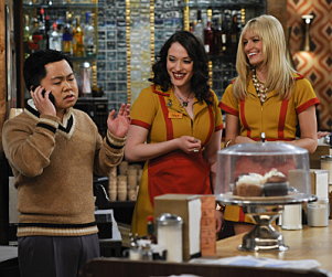 2 Broke Girls Review: Taking a Big Step