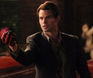 Daniel Gillies at The Vampire Diaries Convention: I Used to Be Charlie Sheen!