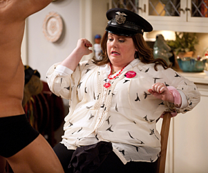 Mike & Molly Review: Dirty Scrabble