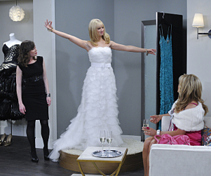 2 Broke Girls Review: Not Quite On The Ball