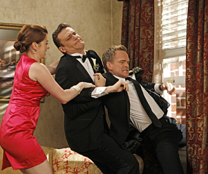 How I Met Your Mother Season 8 Premiere Pics: Fiances & Freak Outs