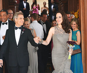 Revenge First Look: Victoria's Wedding Dress!