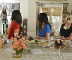 Pretty Little Liars Season Finale Pics: Returning Home